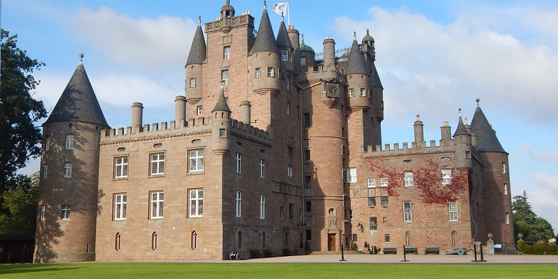 Outside normal transport links, Aberdeen Airport taxis and services run to Glamis Castle
